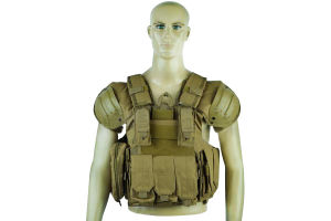 Airsoft 1000D Molle Tactical Vest with Shoulder Protector pictures & photos