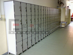 High Quality Factory Customized Solid Phenolic HPL Lockers pictures & photos