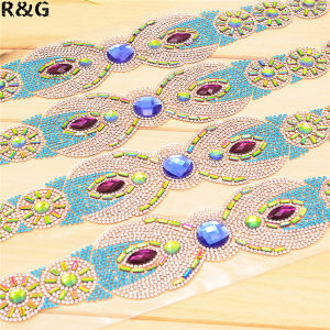 Wholesale New Design Hot Fix Glass Rhinestone Sheet Trimming Rhinestone Applique pictures & photos