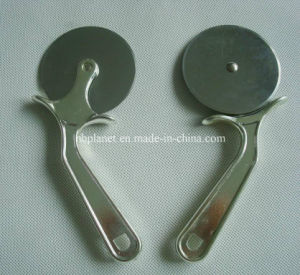 Handheld Stainless Steel Pizza Wheel Cutter / Knife pictures & photos