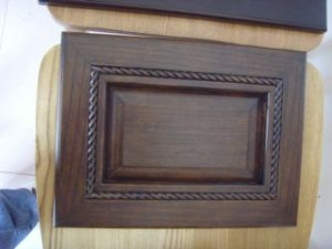 Imported Red Oak Solid Wood Cabinet Door pictures & photos