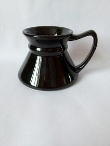 Special Shape Coffee & Ceramic Mug (Black) pictures & photos