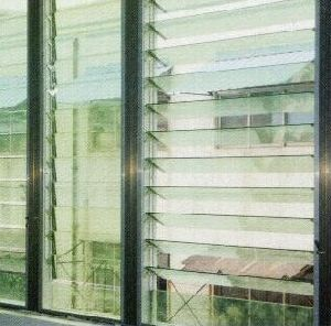 4mm, 5mm 6mm Clear Louver Glass pictures & photos