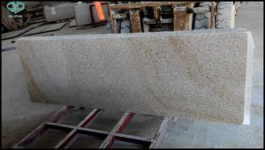 Hot Sale Chinese Rusty Yellow G682 Granite Misty Yellow Granite Slabs Prices Big Size for Kitchen Countertops/Flooring/Culture Stone/Wall Cladding pictures & photos