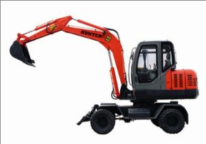 Small Scale Hydraulic Wheeled Excavator (HTL60-9) pictures & photos
