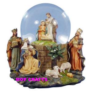 Polyresin Catholic Snowball or Resin Christian Religious Snow Ball pictures & photos