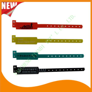 Customed PE Entertainment Plastic Event Party Identification Wristbands Bracelet (E6060C) pictures & photos