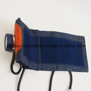 Hot! Deluxe Shockproof Sphygmomanometer pictures & photos
