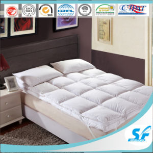 Warm Double Layers Surround Goose Down Feathe Mattress Topper Protector for Hotel Home pictures & photos