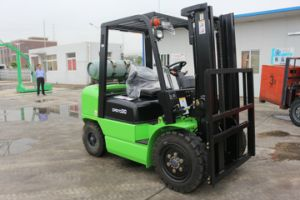 3.0 T Gasoline / LPG Forklift with Nissan Engine (FY30) pictures & photos