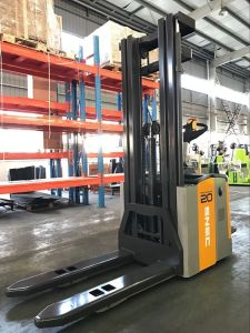 1.5t 2t Load Capacity Electric Stacker pictures & photos