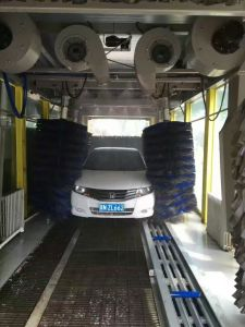 Professional Quality for Automatic Car Washing Equipment Machine Price with Nine Brushes for Chile Carwash Business pictures & photos