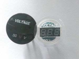 DC 12-24V Digital Voltmeters Waterproof pictures & photos