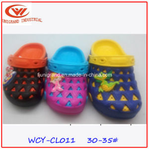 Simple Children Sandals Shoes Lovely EVA Clogs for Kids pictures & photos