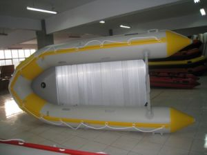 2016 Fashion Marine Inflatable Boat in Different Color pictures & photos