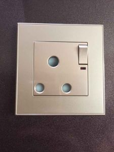 Factory Outlet 15A Switched Socket with Indicator pictures & photos