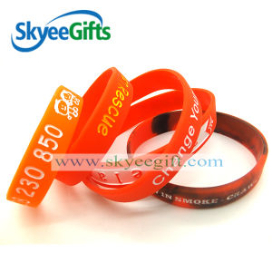 New Silicone Wristband with Customized Logo for Sports pictures & photos