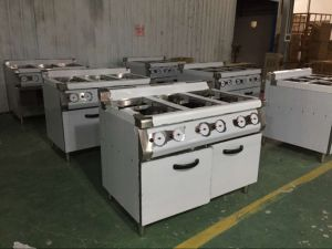 4-Burner Gas Range with Gas Griddle with Gas Char Grill (HGL-90) pictures & photos