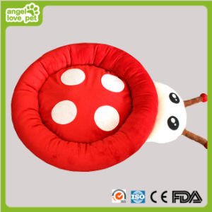 Cute Ladybird Design Soft Pet Dog Cushion&Bed pictures & photos