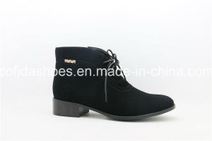 Updated Flat Leather Women Shoes/Boots pictures & photos