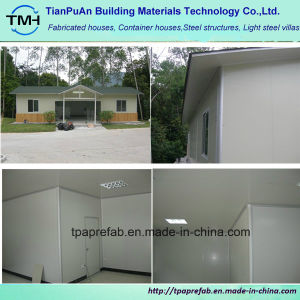 2017 High Quality Prefabricated Light Steel House pictures & photos