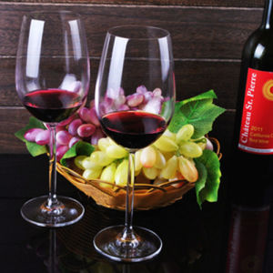 Hot Sale Crystal Wine Glasses Glass Red Wine Goblet pictures & photos