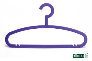 Purple Flat Solid Plastic Hanger pictures & photos