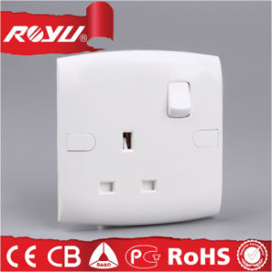 Saudi Arabia Saso 13A Bs Switched Socket pictures & photos