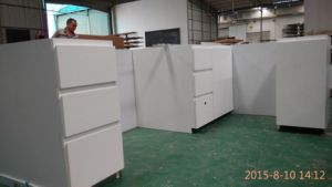 Kitchen Cabinets White Glossy Lacquer (YB-16003) pictures & photos