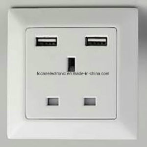 UK England Wall Power Socket with 5V2.1A USB Charging pictures & photos