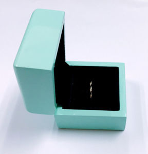 Pure Blue Exquisite Wooden Box Handmde Jewelry Storage Package Case pictures & photos