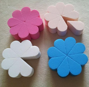 Flower Shape Latex Free Makeup Sponge 8 Cut to Fan Shape pictures & photos