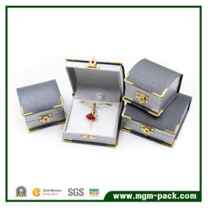 Hot Sale Gold Corner Plastic Jewelry Box pictures & photos