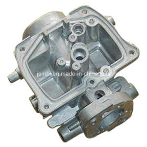 China Good Quality Aluminum Alloy Die Casting Enginer Cover with CNC Machining for Auto Industry pictures & photos