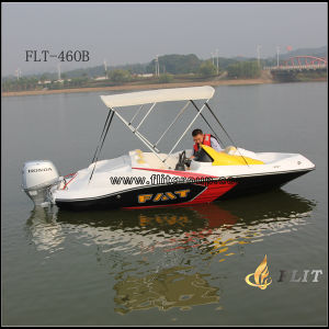 2015 Hot Sale 4 Passengers Fiberglass Super Speed Boat pictures & photos