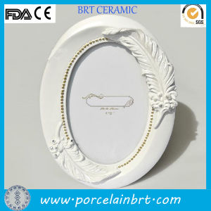 Unique Oval White Picture Frames with Handmade Feather pictures & photos