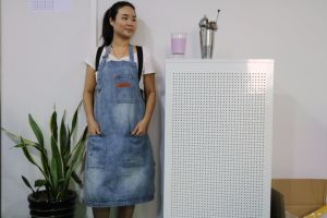 Factory Customized Barista Aprons for Women Sale pictures & photos