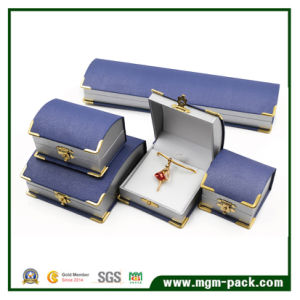 Hot Sale Leatherette Gold Corner Plastic Jewelry Box pictures & photos