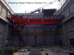 Bridge Crane with Hydraulic Bucket for Garbage (15T-28.5M) pictures & photos