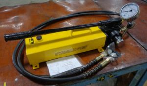 Light Weight Hydraulic Manual Pump (HHB-700S) pictures & photos