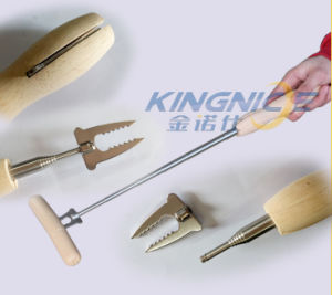 Barbecue Tools Extendable Wooden Meat Stainless Steel Telescopic BBQ Fork pictures & photos