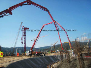 Hongda Group 32m Concrete Pump with Boom pictures & photos
