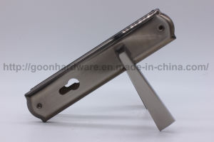 Aluminum Handle on Iron Plate 104 pictures & photos