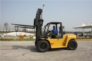 Zoomlion Brand 10 Ton Diesel Forklift for Sale pictures & photos