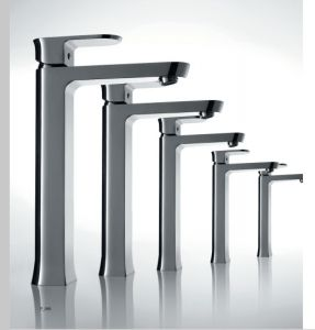 Luxury Single Lever Water Faucet (DH34) pictures & photos