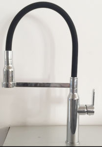 Design 25mm Spring Kitchen Faucet (GL90132A132) pictures & photos