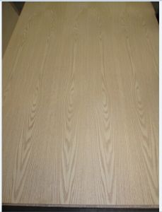 Natural Red Oak Veneer Fancy Plywood with Furniture Grade 2.7mm and 18mm in Mexico pictures & photos