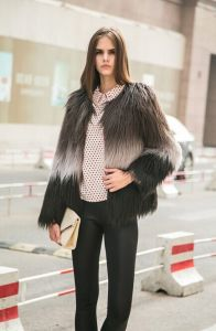 Topshop Gradient Color Fur Outerwear O-Neck Women′s Designer Long-Sleeve Overcoat Plus Size Fur Coats Xl Winter Faux Fur pictures & photos
