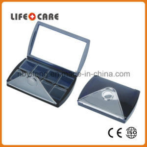 Medical Good Promotion 8-Compartment Pillbox with Mirror pictures & photos