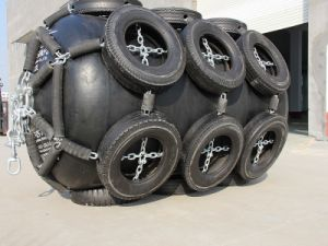 Inflated Yokahama Fenders with Tire Net pictures & photos